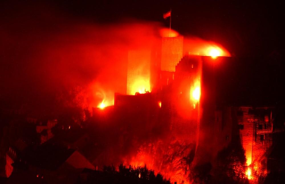 Die Burg Runkel in Flammen 2009 (3)