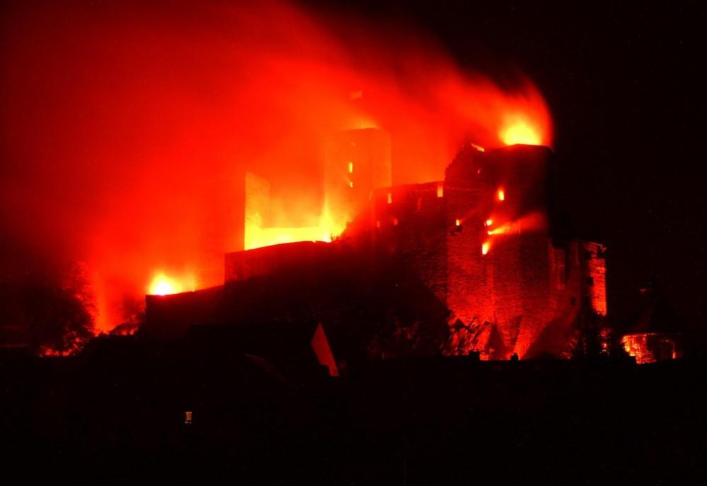 Die Burg Runkel in Flammen 2009 (4)
