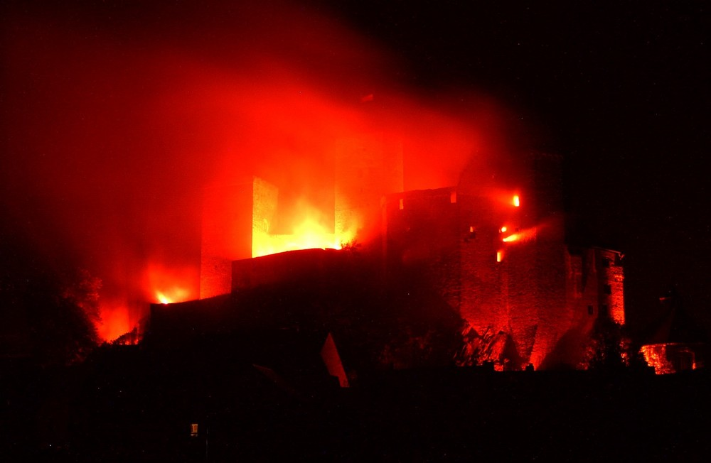 Die Burg Runkel in Flammen 2009 (5)