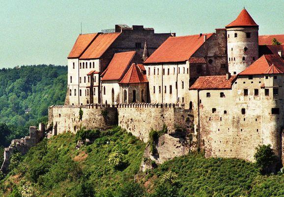 Die Burg v. Burghausen