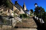 Die ca. 140 Stufen zur Kirche von Brélévenez - Lannion
