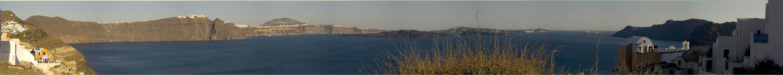Die Caldera von Santorin von Oia aus gesehen