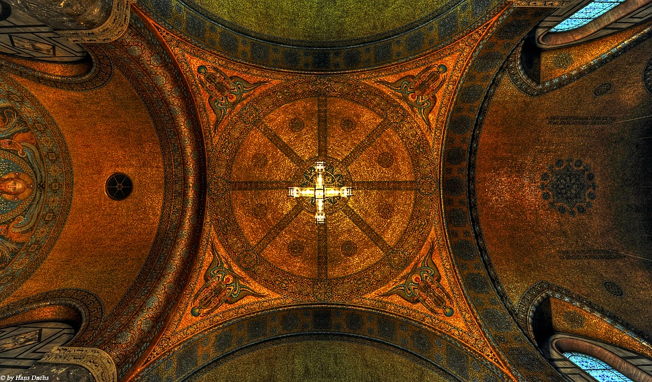 Die Deckenansicht  der Erlöserkirche in Bad Homburg vor der Höhe