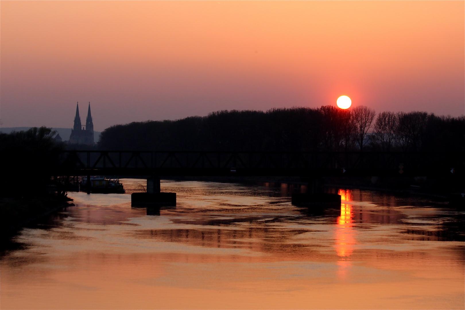 die Donau mal nicht blau