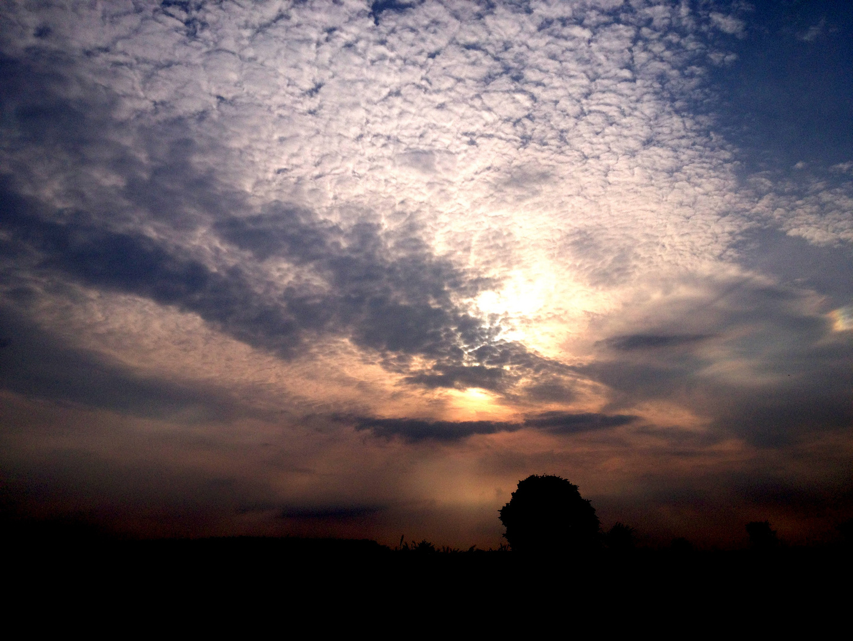 Die Dunkelheit verdrängt die Sonne