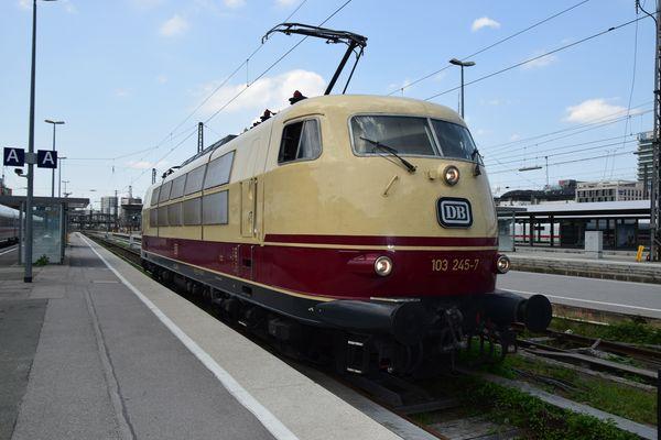 Die E 03/103 galten lange als das Flaggschiff der DB