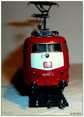 Die E 103 der DB als Modell der Firma Trix Express