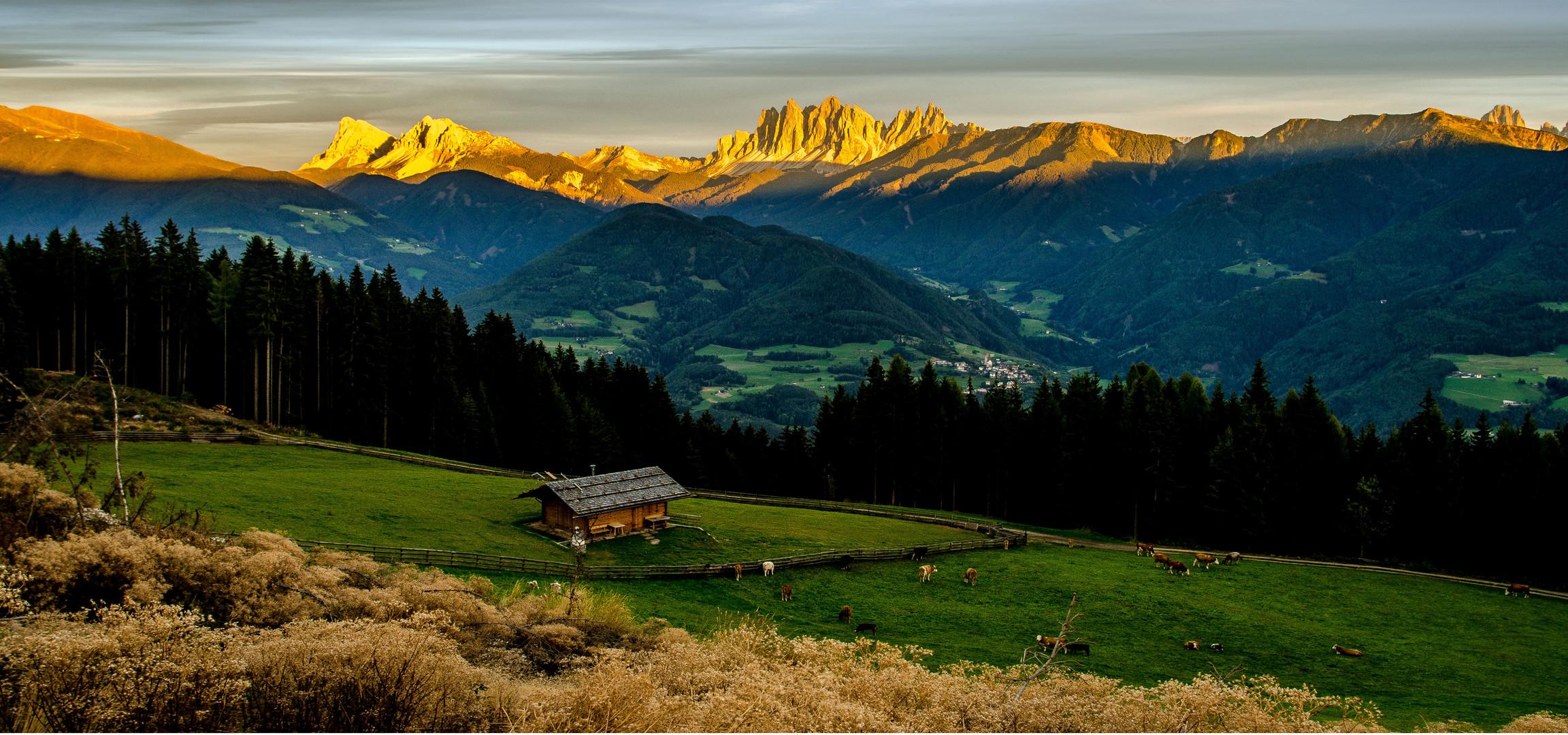 die Ecksteine der Dolomiten im letzen Abendlich