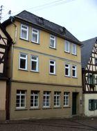 Die ehemalige Sparkasse - Burgstraße 11