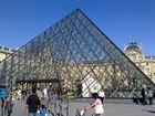 Die Eingangspyramide am Louvre
