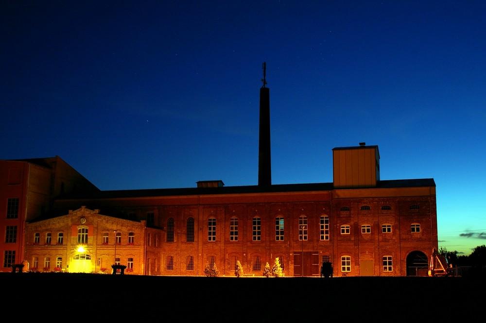 Die einst Alte Zuckerfabrik der DDR in TESSIN bei Nacht´2009