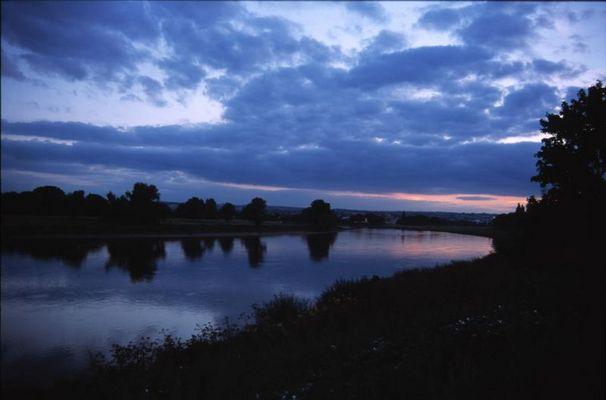 Die Elbe abends