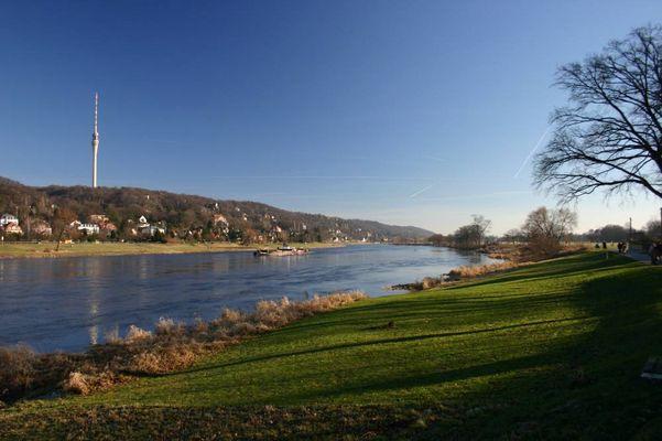 Die Elbe - bei Dresden