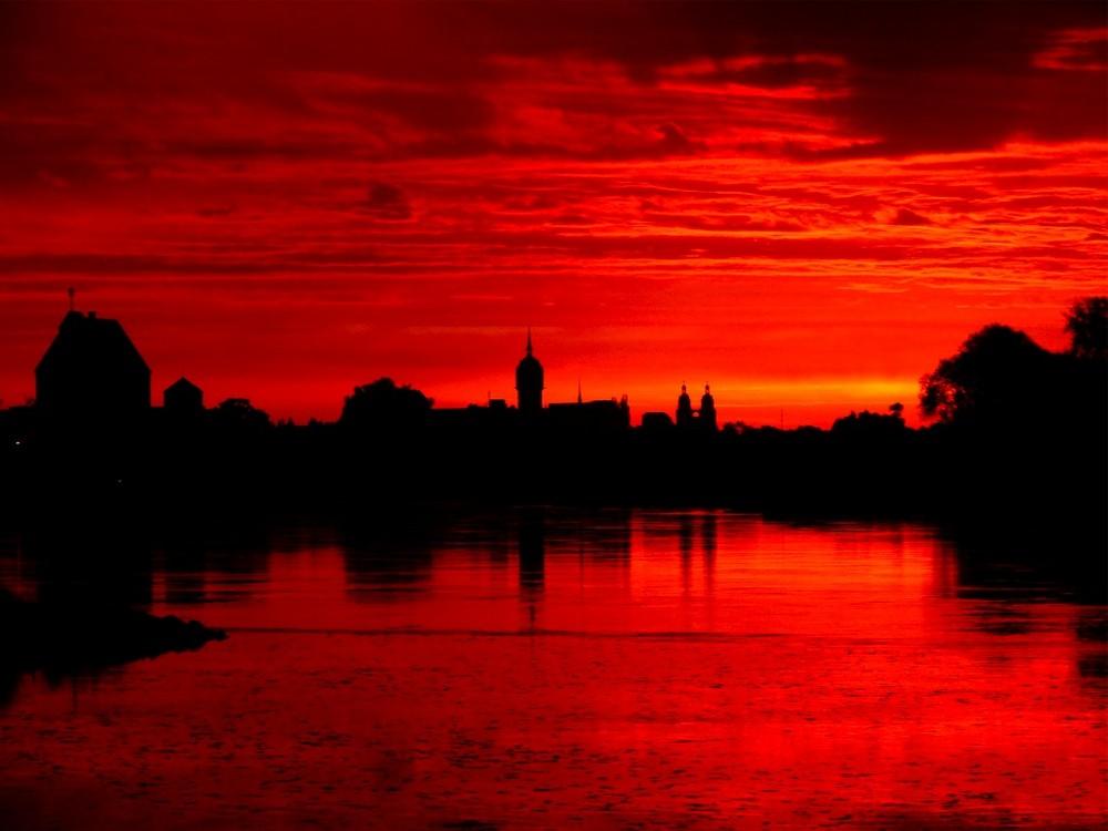 Die Elbe bei Wittenberg im Morgenrot