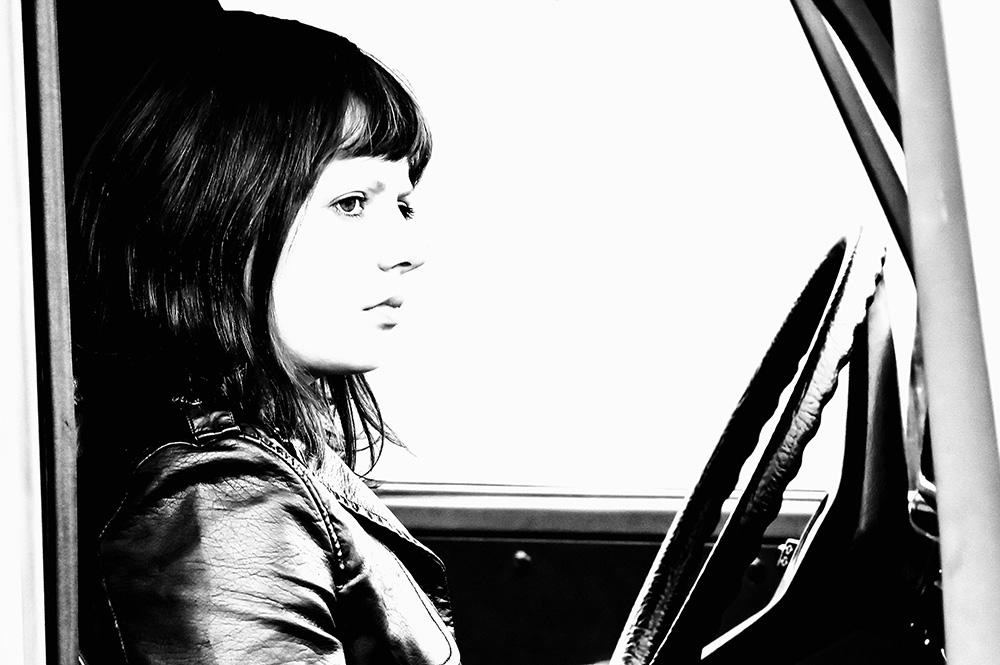 die Fahrerin