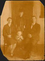 die Familie meines Großvaters - aufgenommen 1932