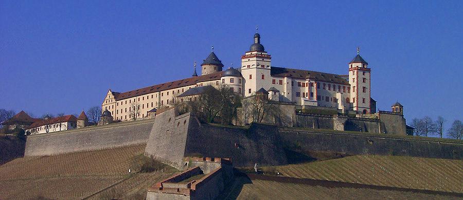 Die Festung Marienberg in Würzburg...