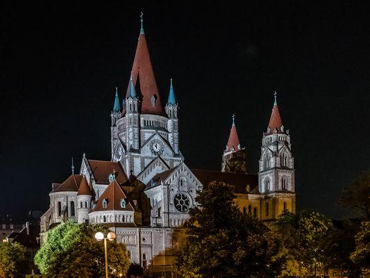 Die Franz-von-Assisi-Kirche (3)