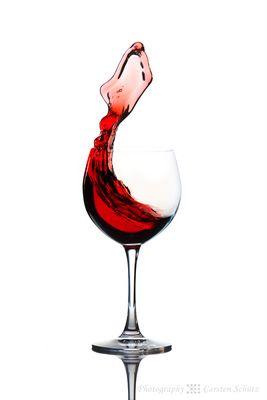 Die Frau im Weinglas