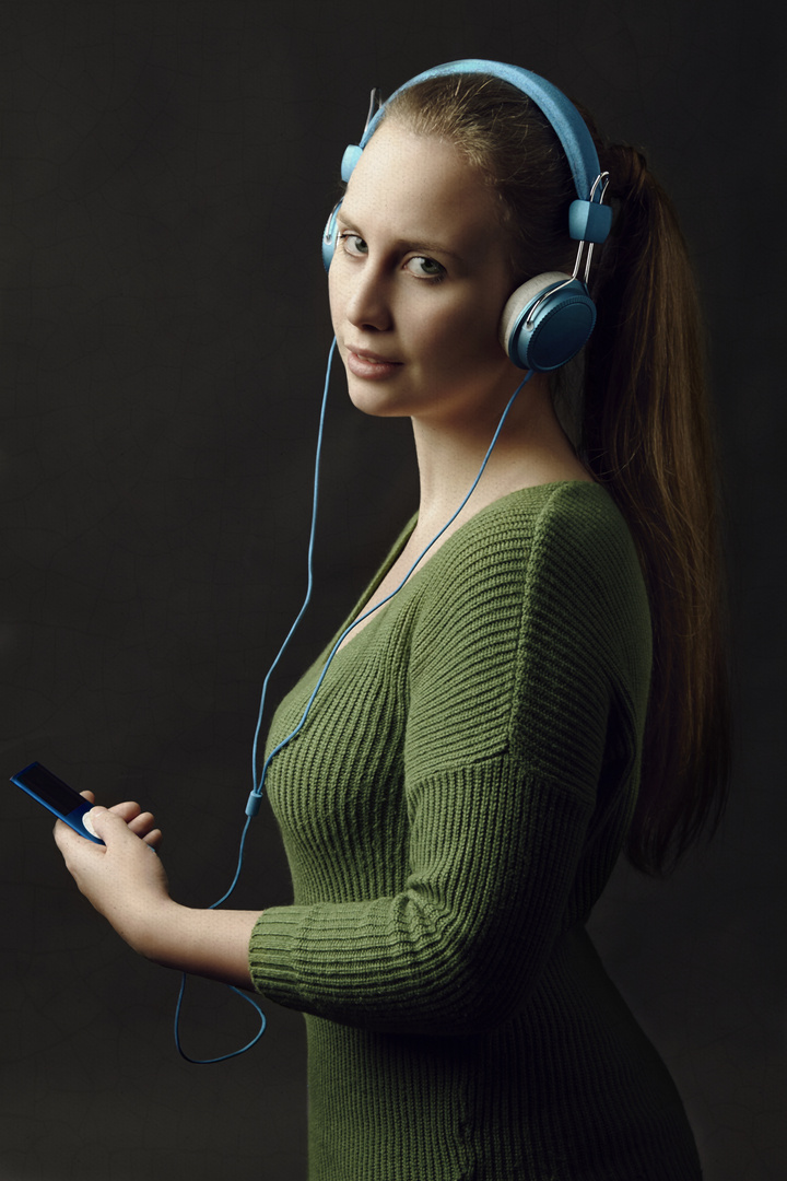 Die Frau mit den Kopfhörern