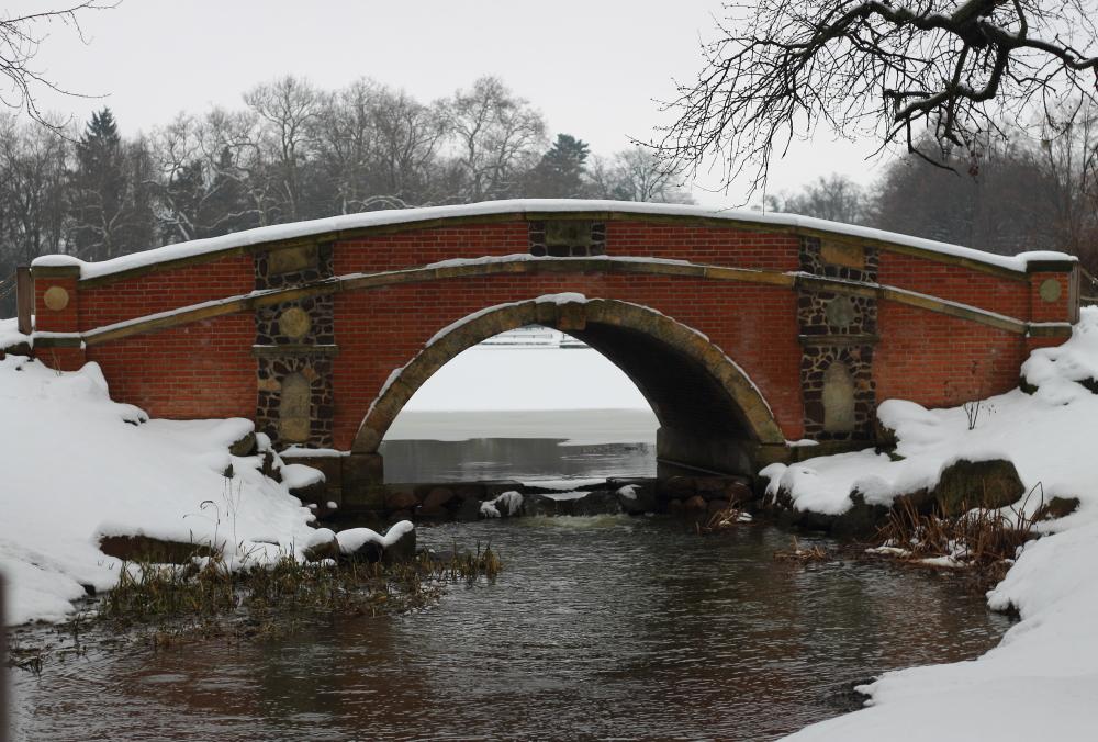 """Die """"Friederikenbrücke"""" am Wörlitzer Park"""