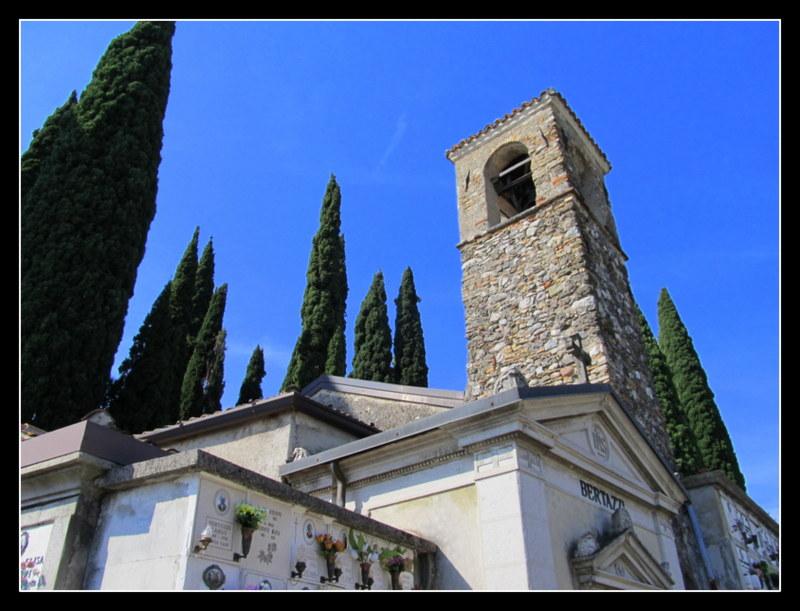 Die Friedhofskirche in San Felice am Gardasee