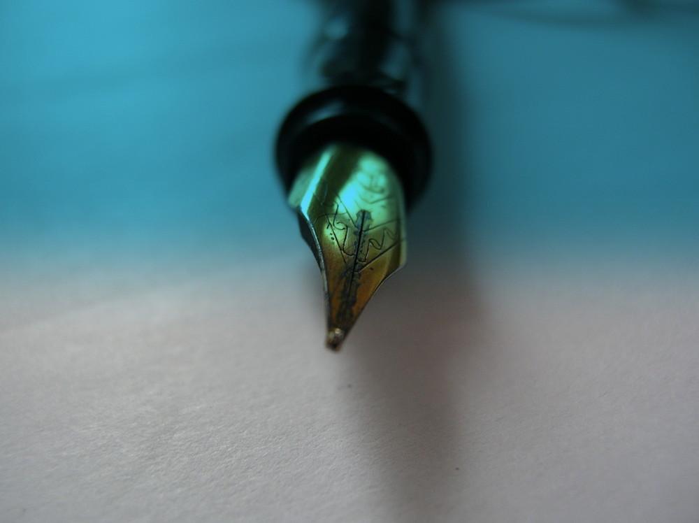 Die Füllerfeder