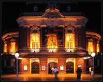 Die (ganze) Musikhalle bei Nacht