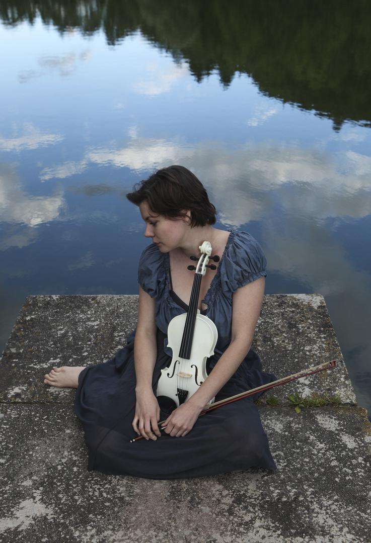 Die Geigenspielerin