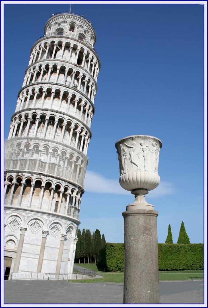 Die gerade Vase von Pisa (und Turm)
