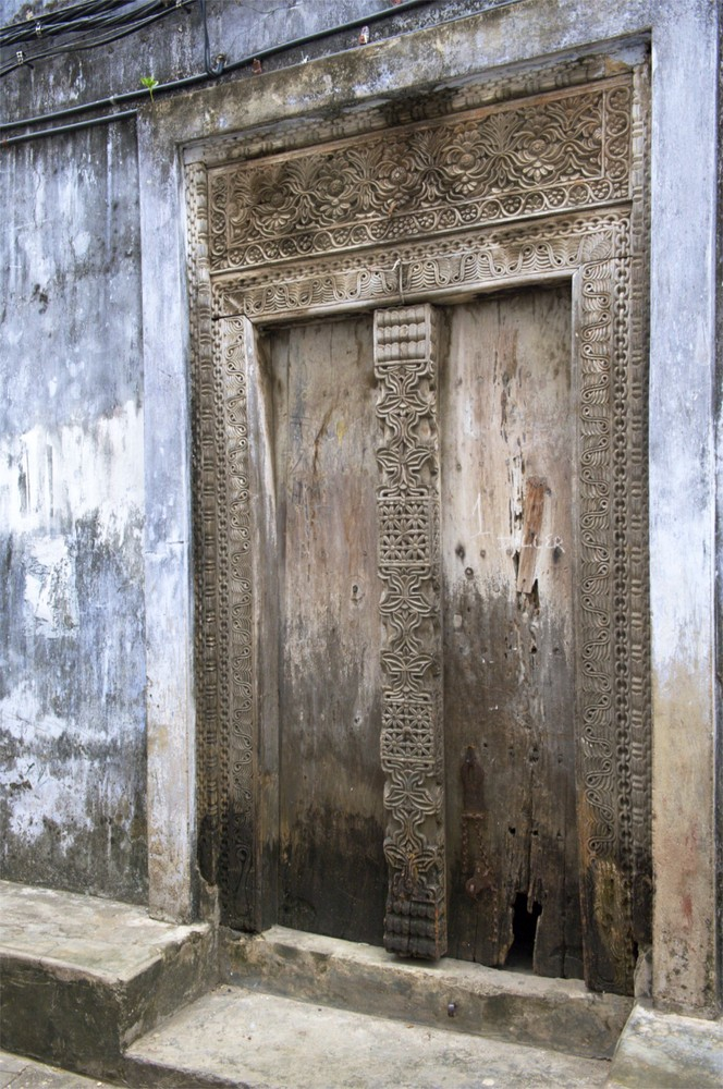 die geschnitzten Türen Stone Towns