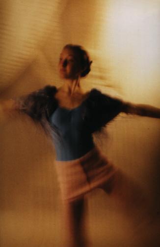 ......die Geschwindigkeit des Tanzes .....