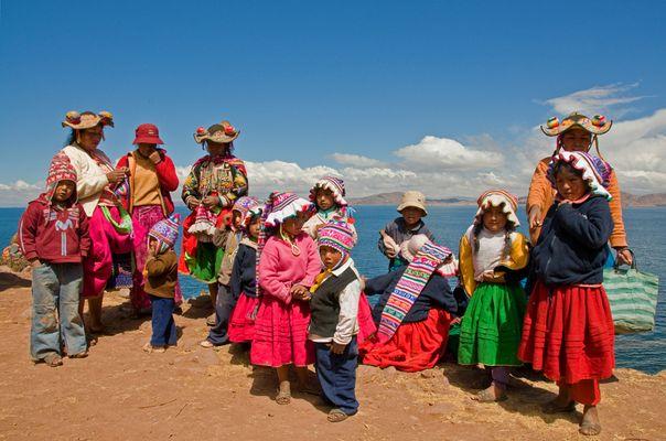 Die Gesichter und Farben Perus