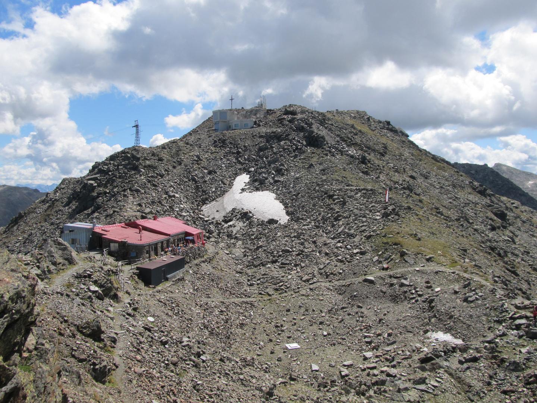 Die Glungezer Hütte am Gipfel