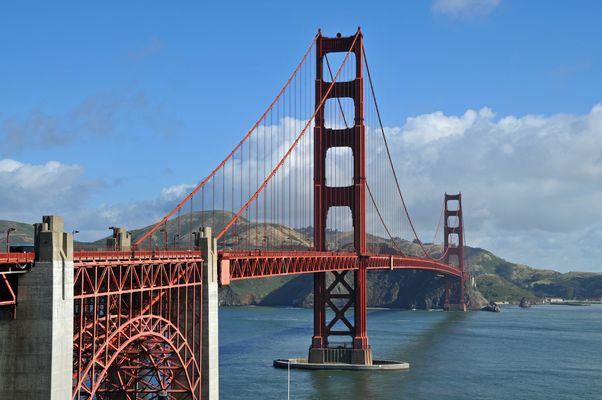 - Die Golden Gate Bridge -