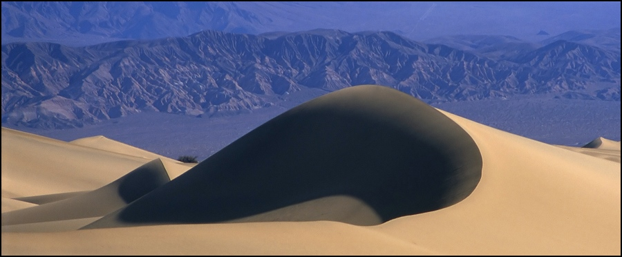 Die große Düne im Death Valley