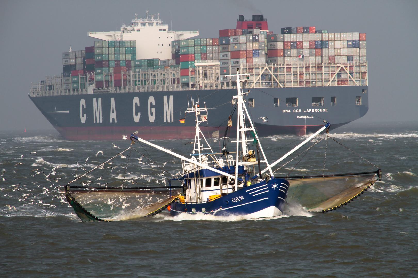 Die grosse Schifffahrtsstrasse vor Cuxhaven 1