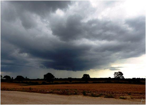 die große Wolke bingt viel Regen