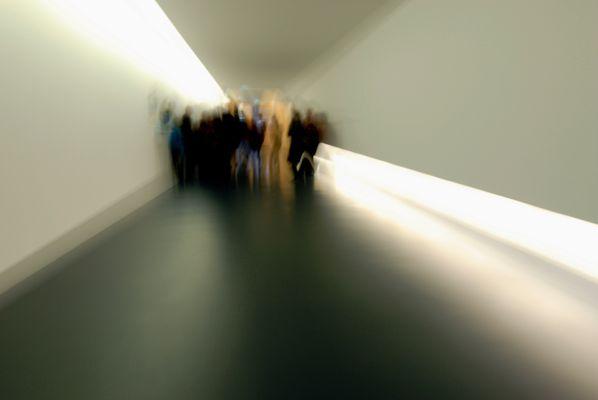 Die Gruppe Im Tunnel...