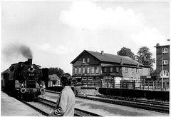 Die gute alte 24er am Bahnhof Flintbek vor 50 Jahren