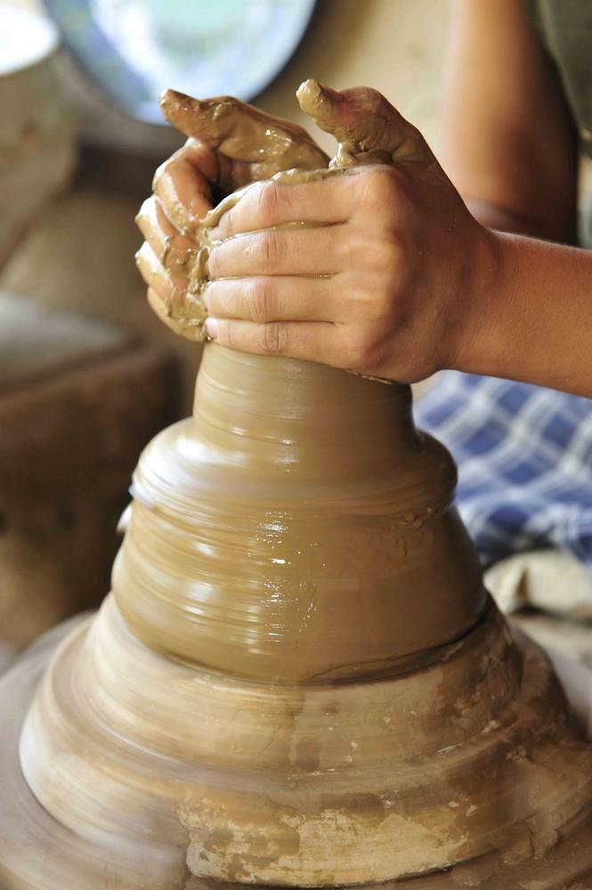 Die Hände des Töpfers - Ferghana-Tal