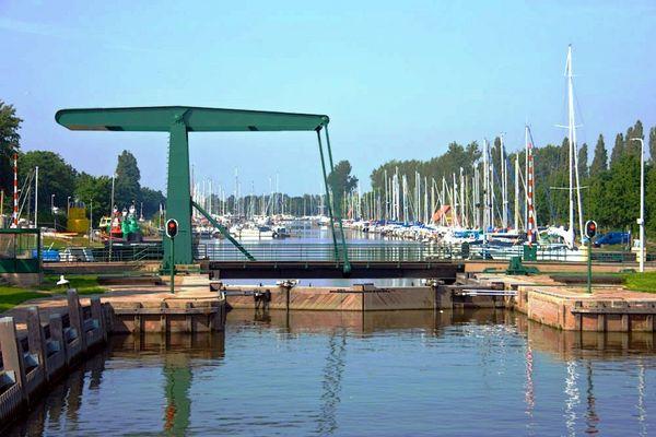 Die Hafeneinfahrt von Hellevoetsluis