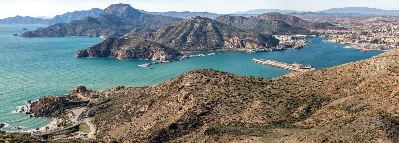 Die Hafeneinfahrt vor Cartagena (Spanien)