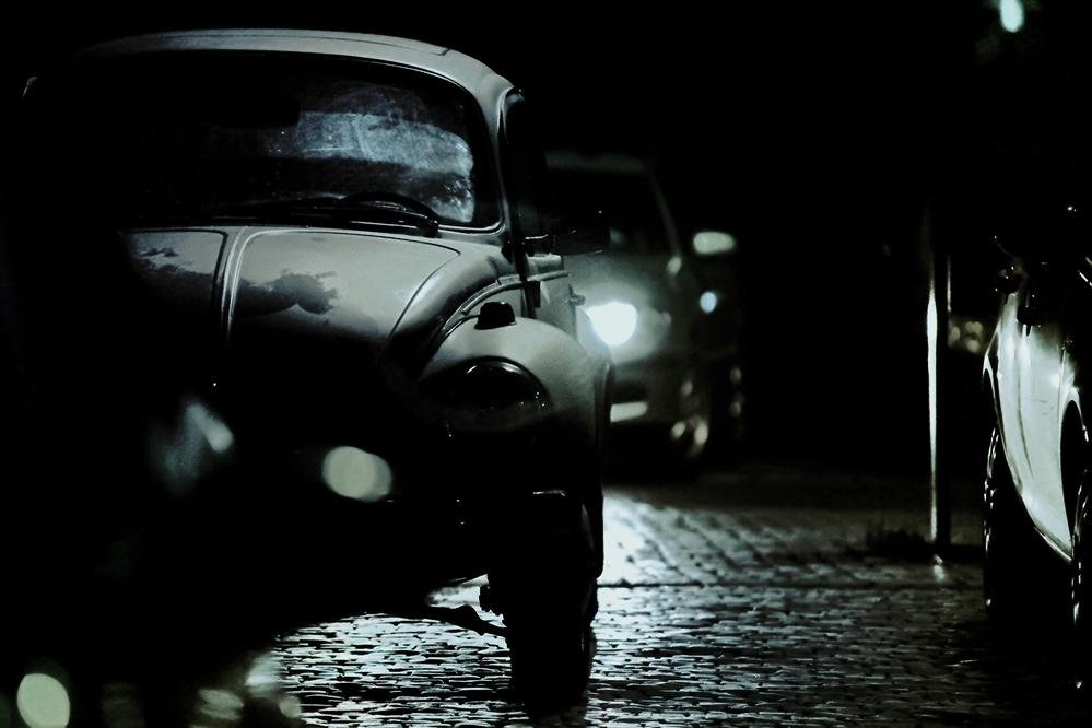 die halbe Nacht auf`m Parkplatz verbracht und einen Käfer beobachtet.