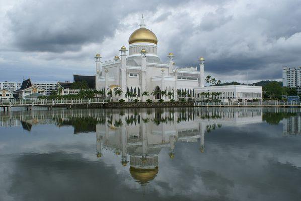 Die Hauptmoschee in Bandar Seri Begawan