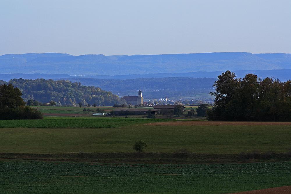 Die Herrenberger Stiftskirche bei Föhn
