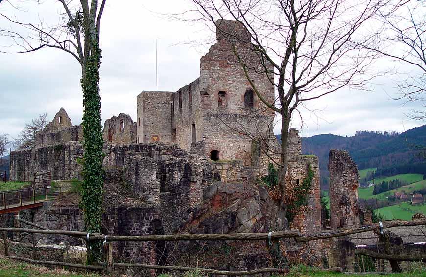 Die Hochburg auf dem Hochberg in Sexau (Breisgau)