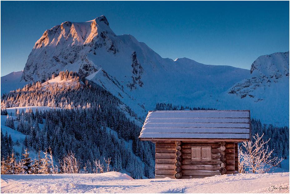 Die Hütte am glühenden Berg