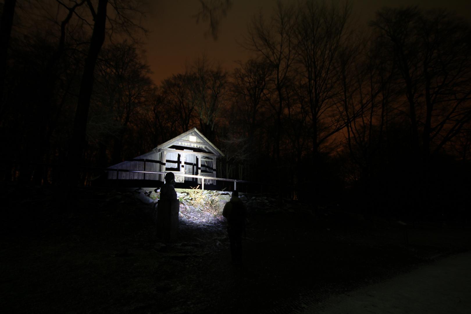 Die Hütte und die Lampe