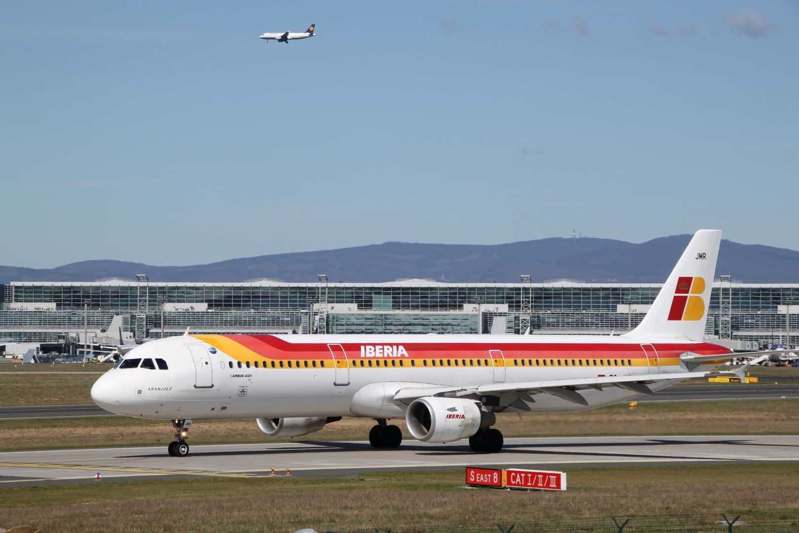 Die Iberia rollt vorbei